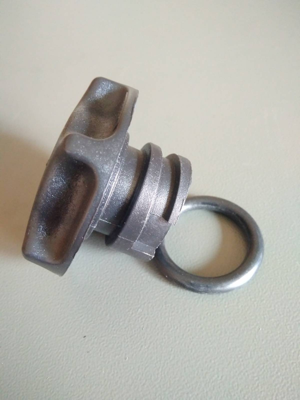 Крышка масляная Шевроле Трейлблейзер(12573337)