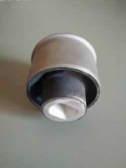 Сайлентблок Крайслер 300С (4782612AC, 4782613AC)